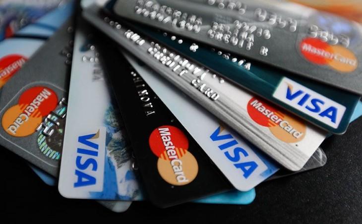 В каком банке лучше открыть зарплатную карту и как использовать ее на 100%