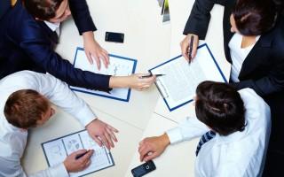 Договор займа между юридическим и физическим лицом: образец, структура и оформление документа