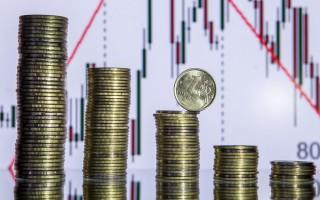 В чем разница между девальвацией, инфляцией и деноминацией, от чего зависят эти процессы и как они связаны между собой
